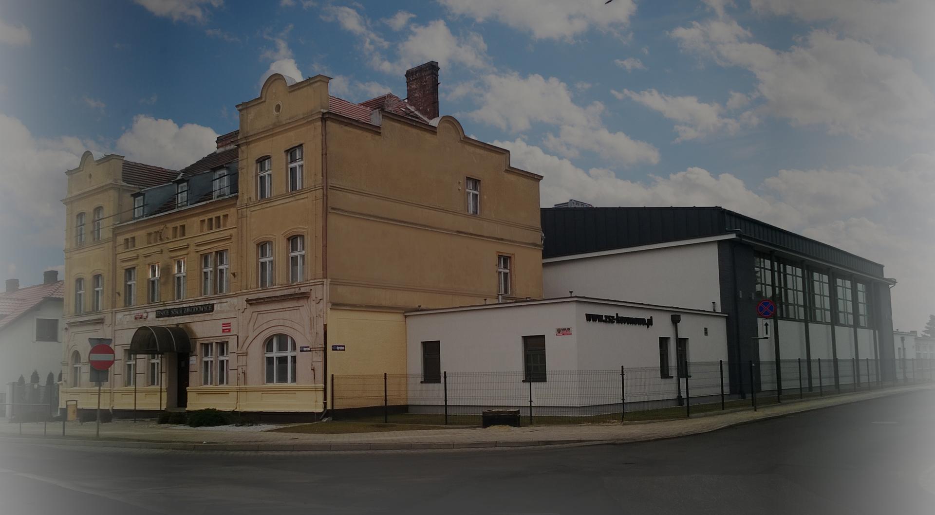 BudynekA
